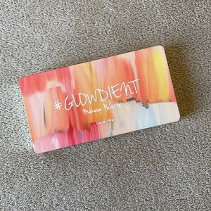 TOUCH IN SOL Pretty Filter Glowdient Palette